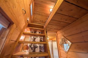 Soldotna Alaska Lodging and Cabins - A Cabin by the Pond (39)